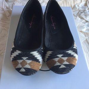 Shoes - American rag flats
